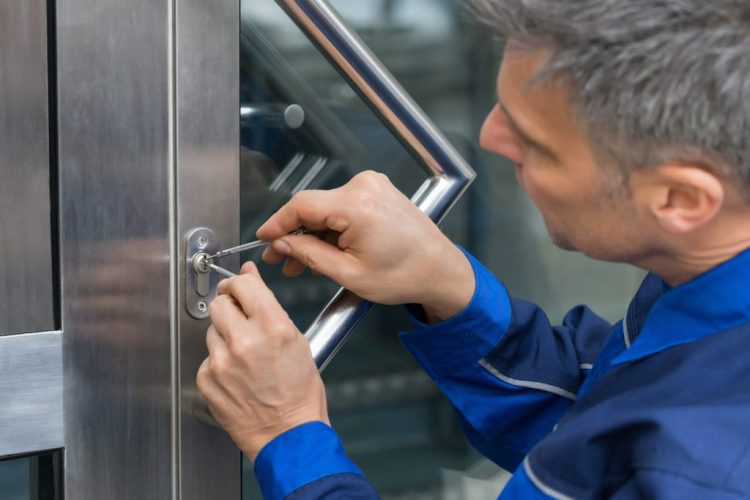 How to choose the right local locksmith